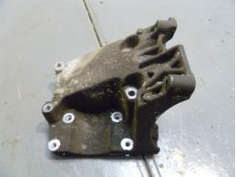 FOCUS II Кронштейн компрессора кондиционера