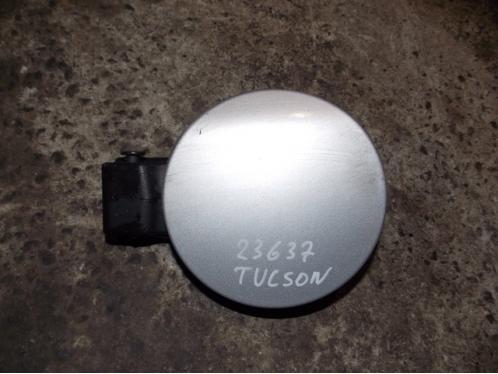 TUCSON 2015  Лючок бензобака