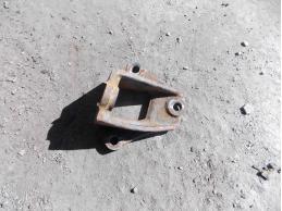 CAMRY V40 Кронштейн опоры двигателя