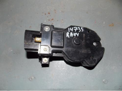 RAV 4  Кнопка открывания бардачка