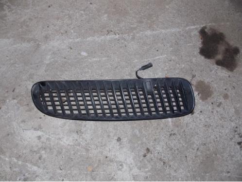 X 5  Решетка в капот