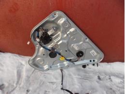 Стеклоподъемник задний правый электрический