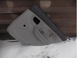 CERATOОбшивка двери задняя правая (седан, под механику)