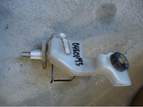 MAZDA 3  Цилиндр тормозной главный (с бачком)1.6