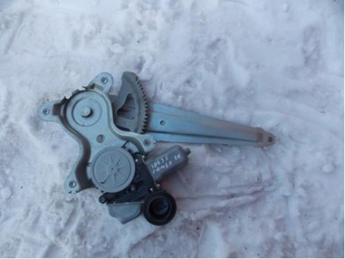CAMRY V50  Стеклоподъемник задний правый электрический