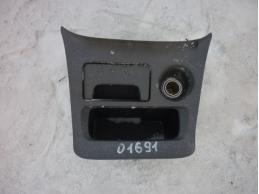 RAV 4 Консоль передняя часть