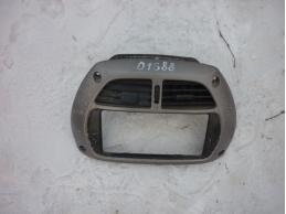 RAV 4 Консоль центральная (верхняя с воздуховодами)