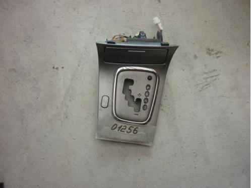 LEGASY OUTBACK Накладка на АКПП с пепельницей