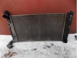 AVENSIS II Радиатор основной МКПП