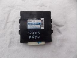 RAV 4 Блок управления полным приводом 3042010 АКПП 2.0л