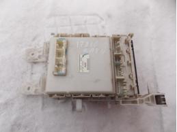 RAV 4 Блок предохранителей салонный 8273042020 АКПП 2.0л