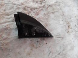 AVENSIS II Крышка зеркала внутренняя правая