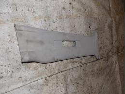 TIIDA C11 Обшивка средней стойки (верхняя правая)