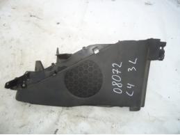C4Обшивка багажника левая (3-х дверный кузов)