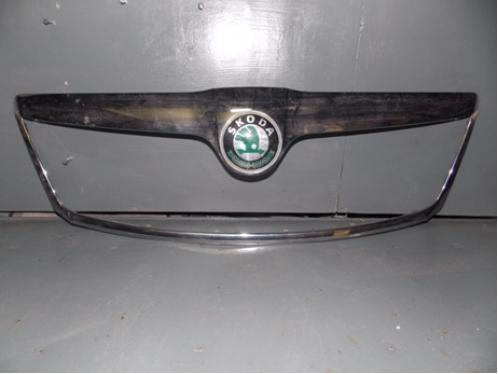 OCTAVIA A5  Накладка на решетку радиатора (хром, после 2009г)