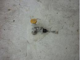 FORESTER S11 Цилиндр сцепления главный (МКПП)2.0л