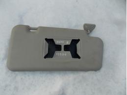 NOTE E11 Козырек солнцезащитный (правый)