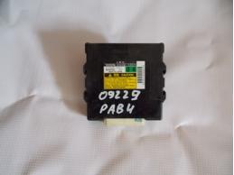 RAV 4 Блок управления 4WD 8963042040