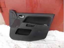 Обшивка двери передняя правая (под электрику)