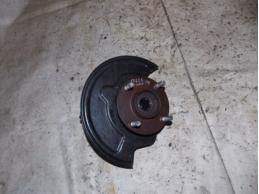 TIIDA C11 Кулак поворотный передний правый (МКПП,под ABS)1.6л