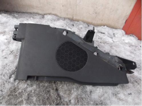 C4 Обшивка багажника правая (3-х дверный кузов)