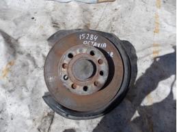 OCTAVIA A5 Кулак поворотный задний правый 1.8л