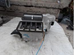 MAZDA 3 Корпус отопителя (под радиатор)