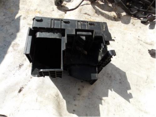 OCTAVIA A5  Блок предохранителей подкапотный МКПП 1.8л