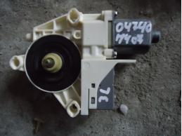 407Моторчик стеклоподъемника (задний левый)
