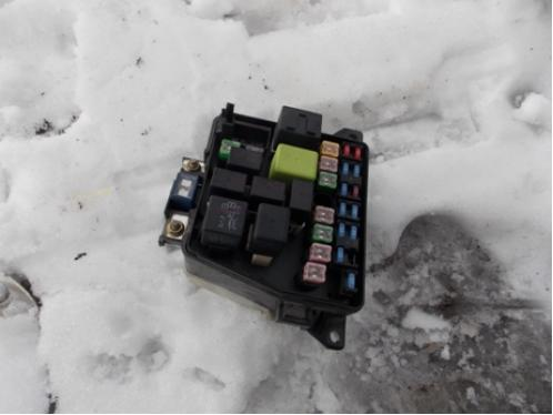 HAIMA 3  Блок предохранителей подкапотный МКПП 1.8л