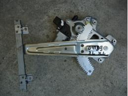 OUTLANDER XL Стеклоподъемник задний левый (электрический)