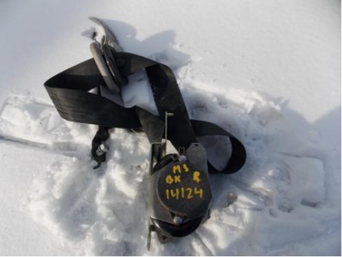 MAZDA 3  Ремень безопасности с пиропатроном передний правый
