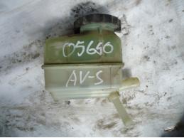 AVENSIS II Бачок гидроусилителя 2.0л